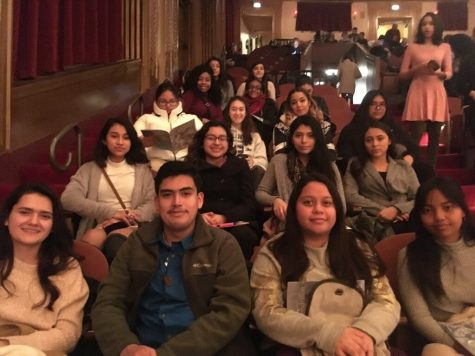 French students eagerly await the start of the opera.