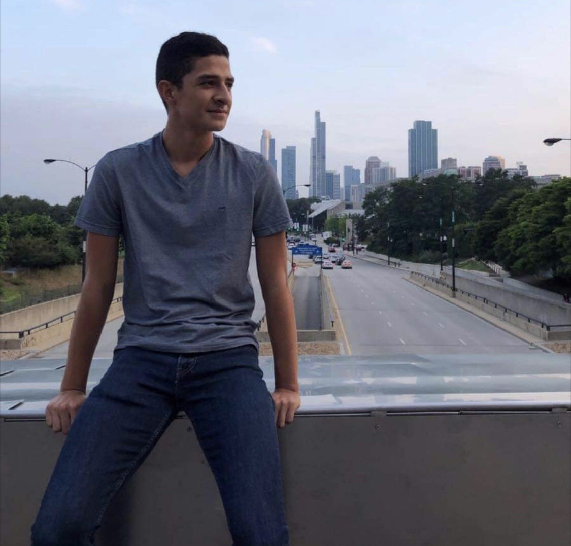 Diego Eloisa '20 pictured in the city of Chicago